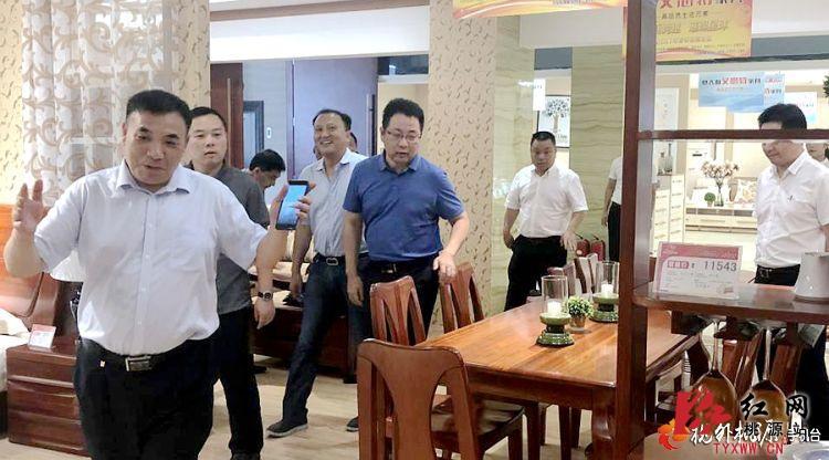 桃源县委副书记陈德赴湖北省招商引资